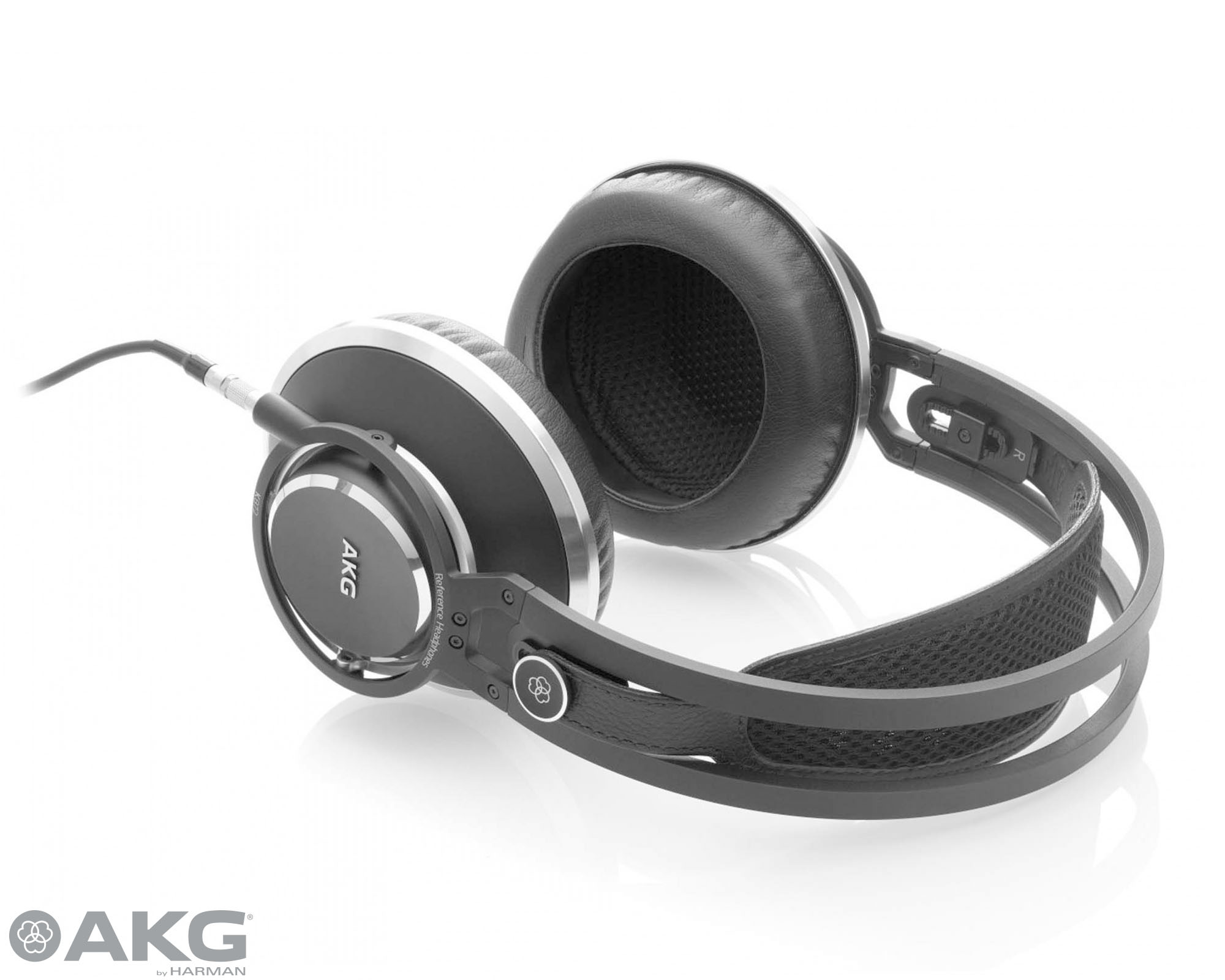 AKG K872 flagship headphones receive MusicTech 'Best Accessory' of the year award