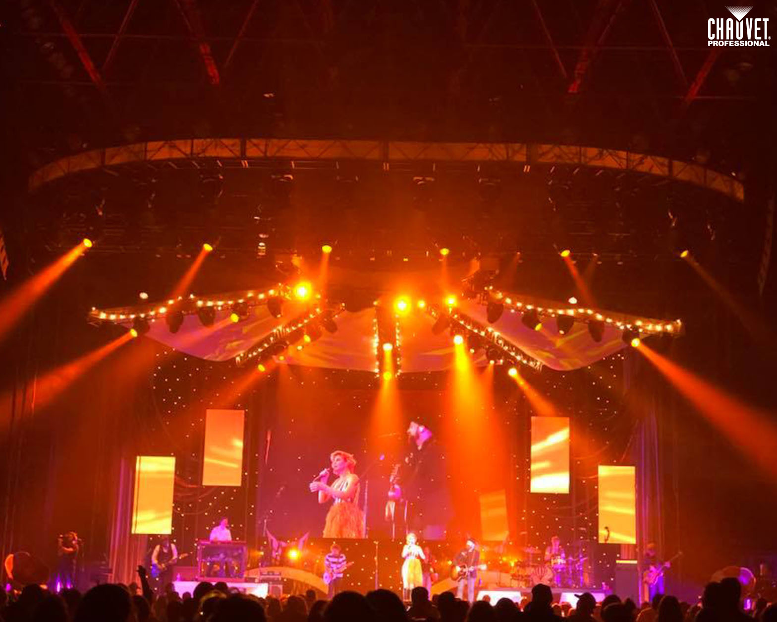 Sugarland Tour Gets Festive Looks From CLLD and CHAUVET Professional